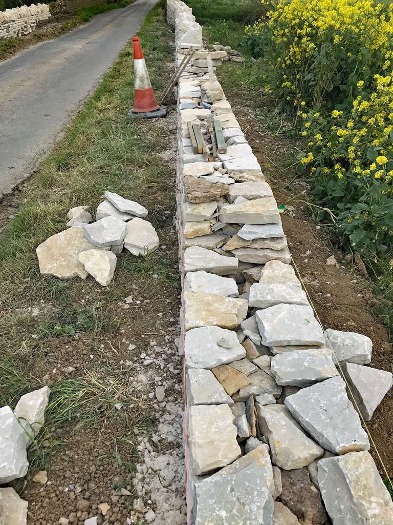 How to build a drystone wall