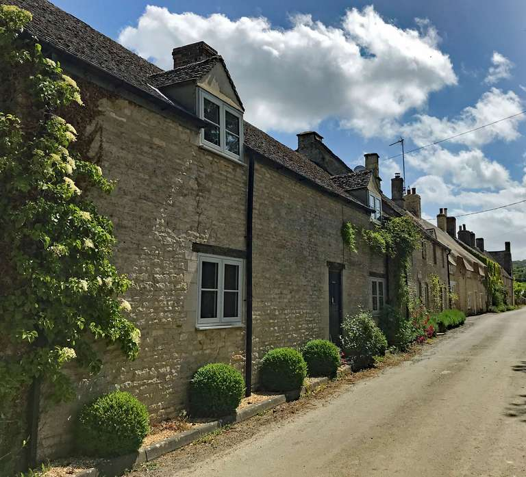 Cottages in Pudlicote Lane, Chilson